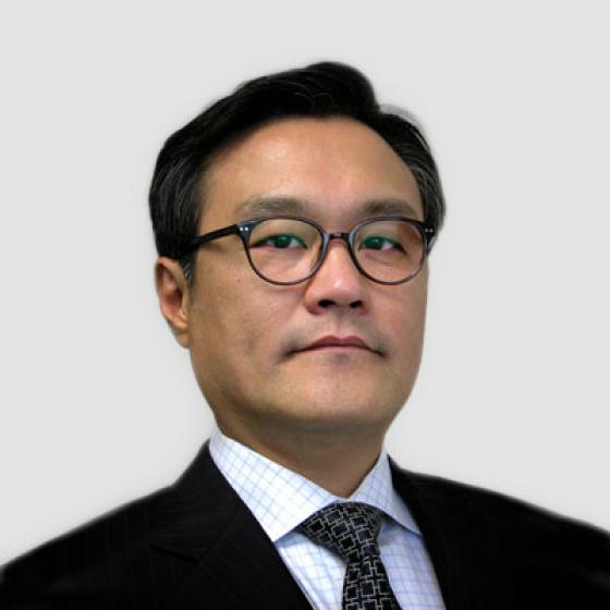 Brian Kim is the Chief Executive Officer of Superior Essex, a role he has held since May 2015. During his tenure, Kim has overseen the establishment of the Essex Furukawa Global Joint Venture, the Automotive Strategic Business Unit, and Essex Malaysia. Kim has also led the launch of the MagForceX Innovation Centers and the construction of a magnet wire facility in Serbia. Prior to his position with the company, Kim served as the President of LG Hausys America and the Principal of A.T. Kearny in Seoul, South Korea. Kim received his Bachelor's Degree in Applied Statistics from Yonsei University and then earned an Executive MBA from the University of Michigan.