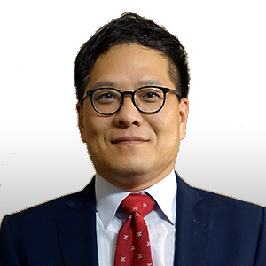 Zack Kim is the Vice President of Global Magnet Wire Strategy, a role that he accepted in early 2019 after serving as the Director of FP&A in Asia as well as a Human Resources Director for Superior Essex since 2012. His current position makes him responsible for leading global magnet wire strategic initiatives, developing and implementing best practices, as well as investment optimization. Kim came to the company after previously being a Human Resources Director for LS Cable & System  over nine years prior. He received his Bachelor's Degree in Business Administration from Sungkyunkwan University and studied in the Graduate School of Labor Studies at Korea University in South Korea.